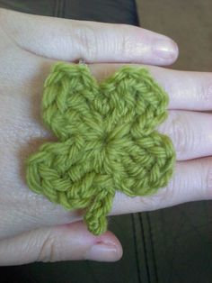 Shamrock Ring - This free crochet pattern can be worked up quickly and worn for a little extra luck! free shamrock, clovers, hair clips, four leaf clover, st patricks day, free crochet shamrock pattern, shamrock ring, crochet patterns, crafts