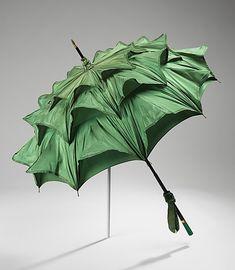 1915 parasol - bring on the sun!  metmuseum.org green parasol, fashion, 1915 parasol, umbrellas, color schemes, museums, dates, vintage, metropolitan museum