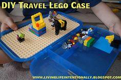 DIY Travel Lego Case Tutorial : plastic container w/hinged lid + Lego base + super glue... so easy!