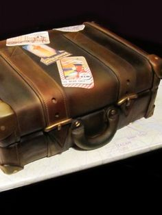 vintage suitcase cake, suitcas cake, vintage suitcases, cakes, kitchen, groom cake, vintag suitcas, anniversary trip, 20th anniversary