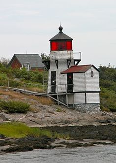 Maine Lighthouses and Beyond: Boothbay and Kennebec Area Lights - Squirrel Point Lighthouse