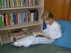 Reading for Montessori Students: Activities and Challenges for All Levels - great ideas to promote reading, inside and outside the Montessori classroom montessori idea, montessori classroom, librari read, librari idea, montessori librari, languag, read idea, educ, classroom libraries
