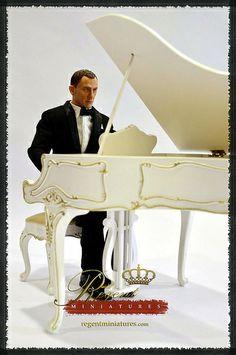 Regent Miniatures White Satin Piano 1:6 scale