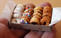 Wanting donuts, but the feeling of guilt is too much? Use multi-grain cheerios and make urself some ADORABLE donut looking treats!