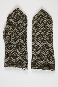 Vahtralehekiri (maple leaf pattern) from Suure-Jaani