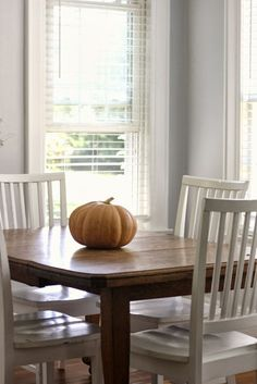 A Barefoot Day: The Fall Shift Of Decorating : it doesn't have to be complicated