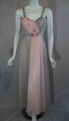 1950s-1960s Van Raalte Peignoir set in grey and pink.