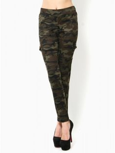 Camouflage leggings with pockets