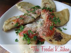 Dobladas de Queso by The Foodies' Kitchen, via Flickr