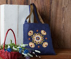 Week 6 of the 12 Weeks of Christmas series — Download your FREE Timeless Tote pattern exclusively at ConnectingThreads.com #12WOC
