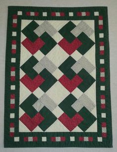 FOUND IN A RECYCLE STORE. THERE ARE A DESCRIPTION ON. SEW IN 1997 IN VEJLE DK. AL OF IT ARE HANDMADE. AND HANDQUILTED. LOVE IT