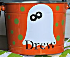 Make Your Own Trick R Treat Pails from PinkWhen {Crafts, Recipes, Tutorials, Sewing, and more}