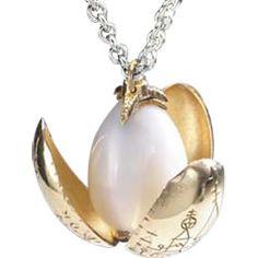 Golden egg pendant from the Goblet of Fire. harri potter, pendants, eggs, egg pendant, egg necklac, harry potter, necklaces, golden egg, thing