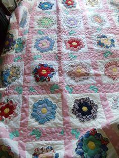 Grandmas flower garden queen quilt