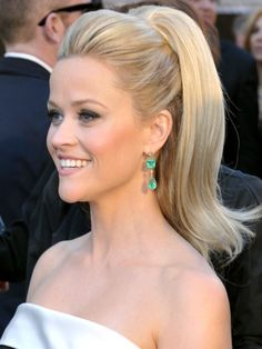 That's one perky ponytail, Reese Witherspoon. We dig it.