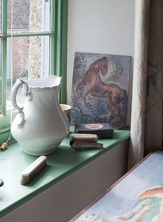 Charleston: the home of artists Vanessa Bell and Duncan Grant. Duncan Grant dressing room