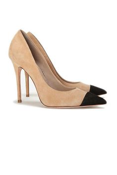 The hottest summer sandals: Jean-Michel Cazabat nude pointy toe pumps