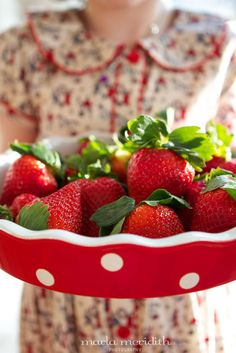 Chocolate Covered Strawberries | A Healthy Treat | FamilyFreshCooking.com