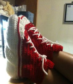 Converse Slippers: free pattern slippers, craft, slipper pattern, crochet project, crochet converse pattern, crochet patterns, adult convers, crochet slipper, convers slipper