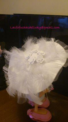 Fofunovios mini personalizados,  - detalle pamela/Personalized mini fofucho dolls - detail of broad-brimmed hat