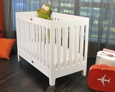 #summerinthecity coconut white, fold crib, free mattress