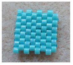 Flat even count Peyote stitch (peyote par) de http://ellad2.com/