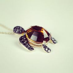 W Turtle yellow gold black diamond brown citrin