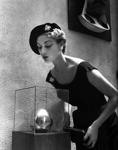 Jean Patchett, photo by Nina Leen, 1949.