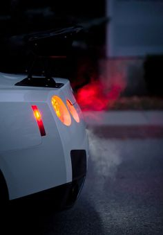 Nissan GTR ... early morning warm up?