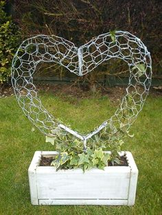 Wire Heart for ivy