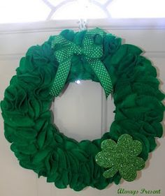 St. Patrick's Day wreath circles, fireplac, birthdays, food, the craft, st patricks day, st patti, stpatrick, valentine wreath