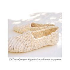 Slanting Line Crochet Espadrillas/Toms Basic Slippers, fresh off the hook! Make your own!