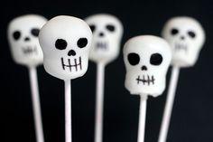 skull cake pops