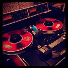 Rolling! #thirdmanrecords#live#themelvins#blueroom