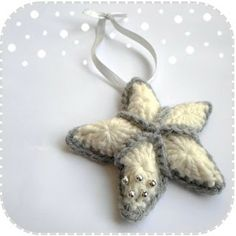 A la Sascha: Free PDF tutorial for The Christmas Star (need to look carefully to find the link to the English tutorial) patterns, crochet tutorials, crochet christmas, christmas ornaments, la sascha, crochet pattern, christma star, crochet stars, christmas stars