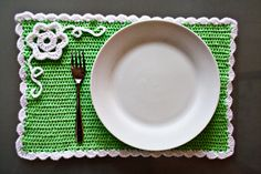 crochet spring, craft, christmas colors, crochet placemat, zoom yummi, places, crochet patterns, spring placemat, place mats