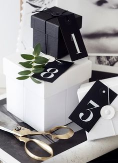 simple black and white boxes for gifts  #christmas #gift #wrapping
