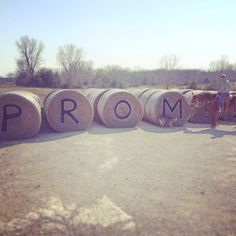 This is the best way to be asked to #prom #promposals