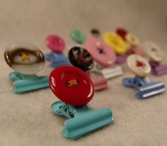 button clips