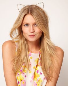 Cat ears headband reminds us of the lovely @agirlastyle