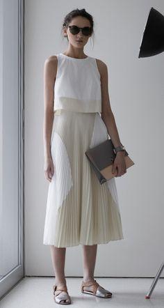 midi skirts, summer dresses, proenza schouler dress, white pleated skirt, elys walker, easi chic, street styles, street style fashion, minimal summer