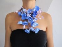 Eco jewels: paper necklace by Alessandra Fabre