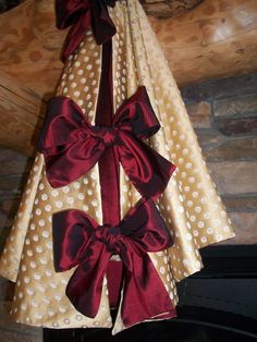 Metallic Gold and Wine Reversible  Christmas Tree Skirt  2012 Collection READY TO SHIP. via Etsy.