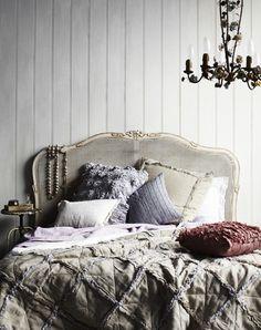 vintage bed// bed frames, vintag bed