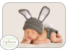 I want a bunny hat for Biscuit's newborn pics since he/she will be born very near Easter. You can add a bow for a girl!