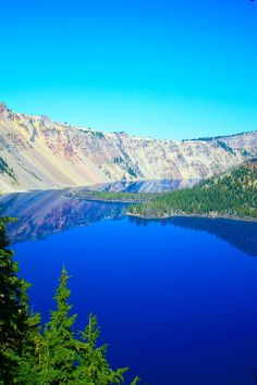 ✯ Crater Lake, Oregon such a beautiful blue.