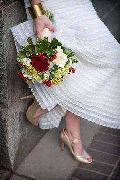 art galleri, tara whittak, bridal bouquets, white parti, modern weddings, white bouquets, wedding dress modern, parti dress, pretti white