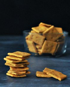 Vegan Cheesy Cracker