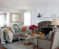 Red, white, and blue is a perennial favorite for cottage living rooms