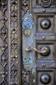 lovely door. the detail is beyond beautiful